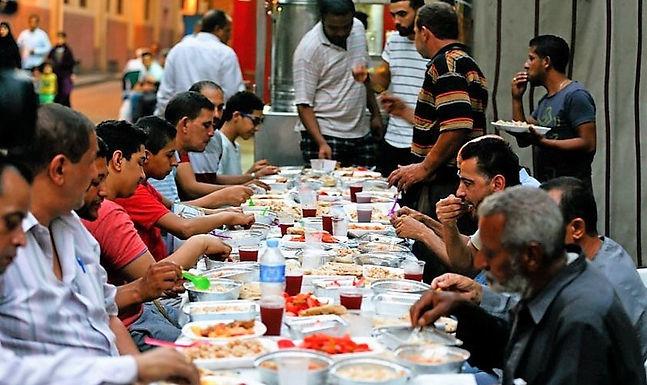 Cristãos Evangelizam Muçulmanos Durante o Ramadão