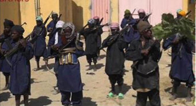 """Crianças Aprendem que Matar Cristãos é o """"Caminho para o Céu"""""""