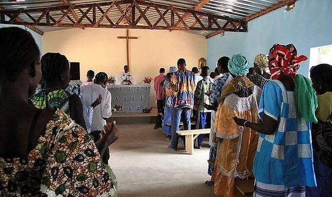 Terroristas atacam igreja e matam 24 pessoas, em Burkina Faso