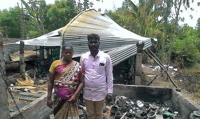 Pastor tem a sua Casa e a sua Igreja Queimada na Índia