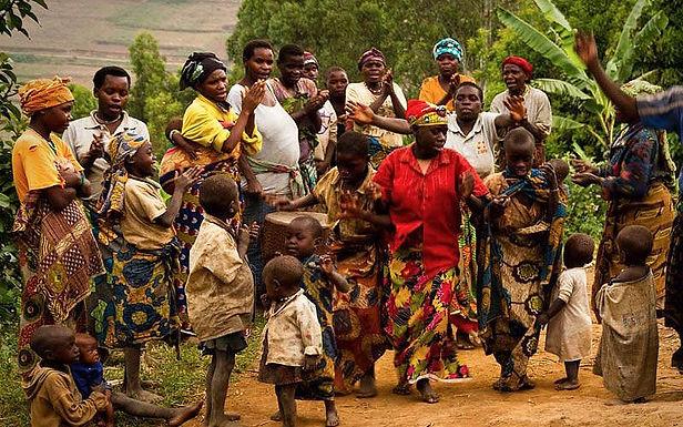 A Palavra de Deus Chega à Tribo mais Antiga da Uganda