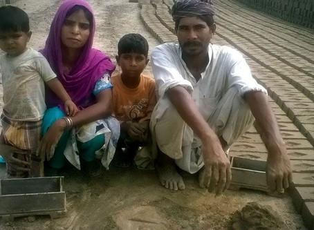 Paquistão: Cristãos são Libertados da Escravidão e Louvam a Deus