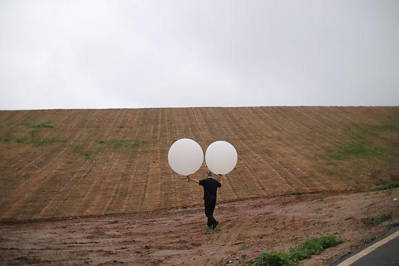 Video mostra lançamento de Balões com Bíblias para a Coreia do Norte