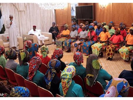 Boko Haram Liberta 82 Meninas Sequestradas em Chibok