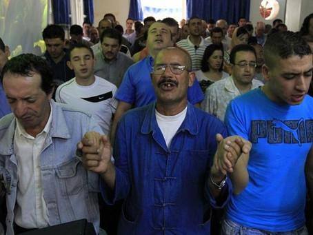 """Condenado a Um Ano de Prisão por """"Insultar"""" o Islão no Facebook"""