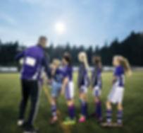 Футбольная команда девушек на практике