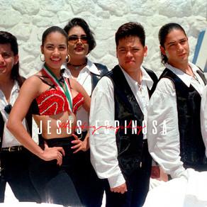 Recordando a Selena y los dinos quienes se presentaron en Acapulco en 1993 y 1994.