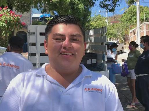 En Acapulco Alejandro Granda Godinez continua llevando programa de canasta básica de bajo costo