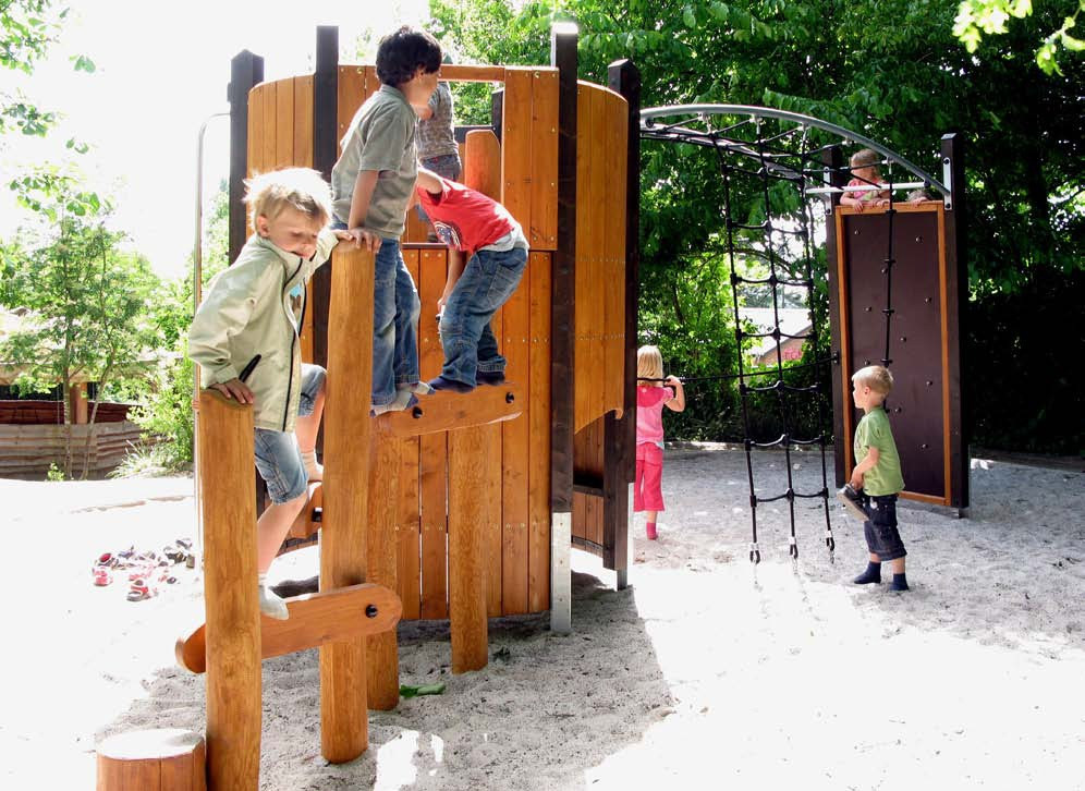 Norna Playgrounds Climbing System