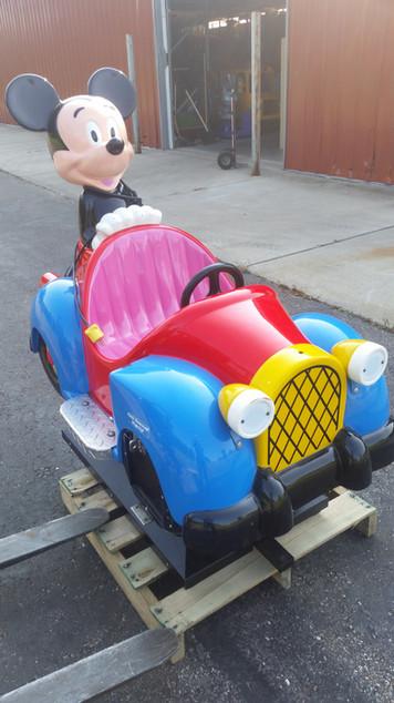 Mickey_Mouse_Car_1.jpg