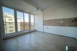 Kitchen & large windows