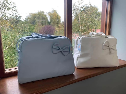 Bow changing bags