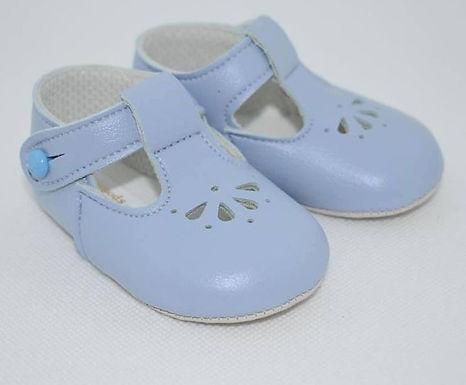 Tear soft sole pram shoe