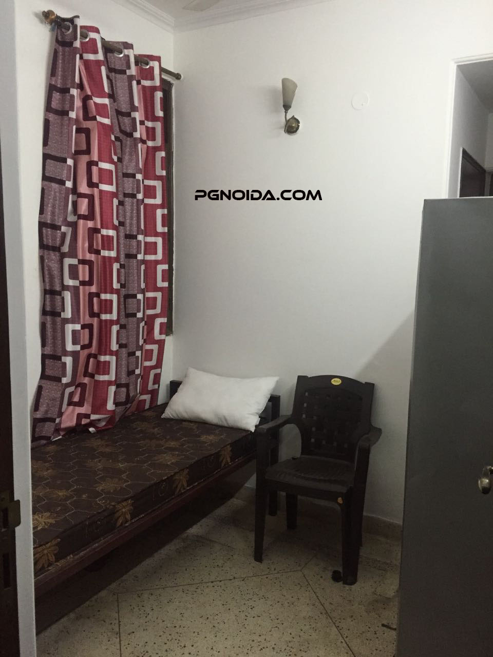 SIngle Room PG in Noida Sector 62