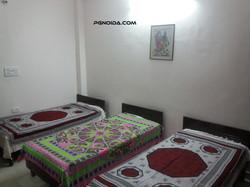 pg in noida sector 62 for Girls