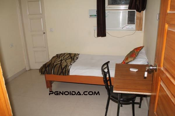single room in noida sector 58