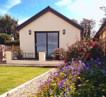 HOME PAGE Annexe garden.jpg