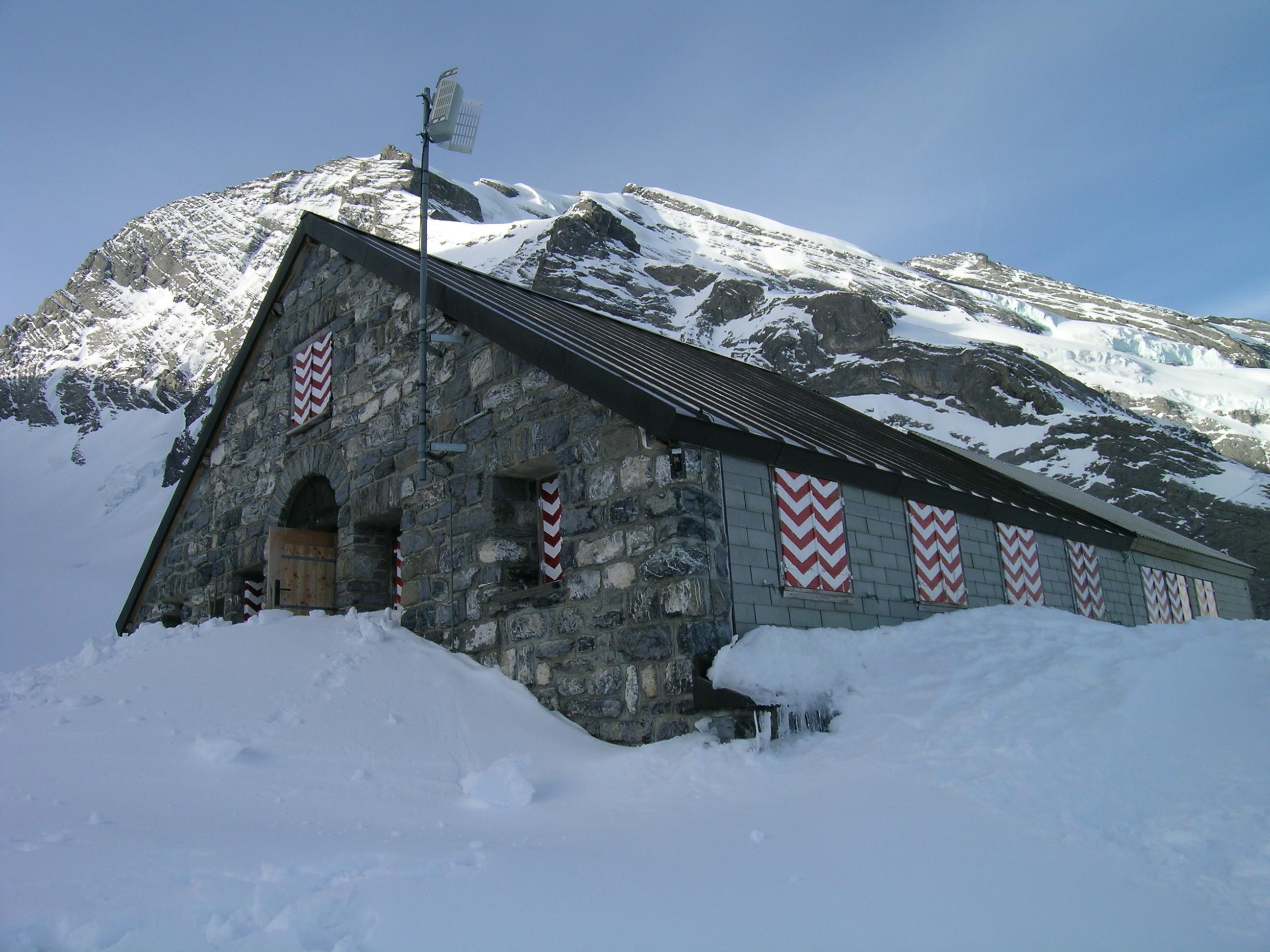 Fründenhütte mit Doldenhorn