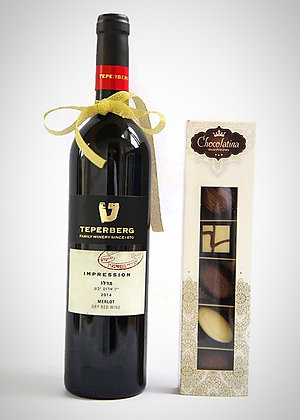 Elegant Red Wine + 6 praline chocolates
