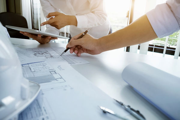engineer-meeting-for-architectural-proje