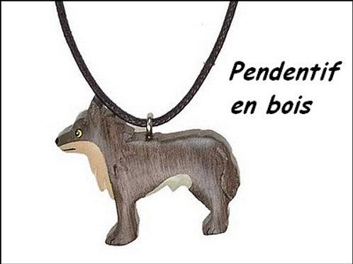 Pendentif loup en bois