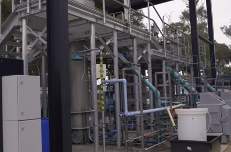 Cleaning wastewater while creating energy