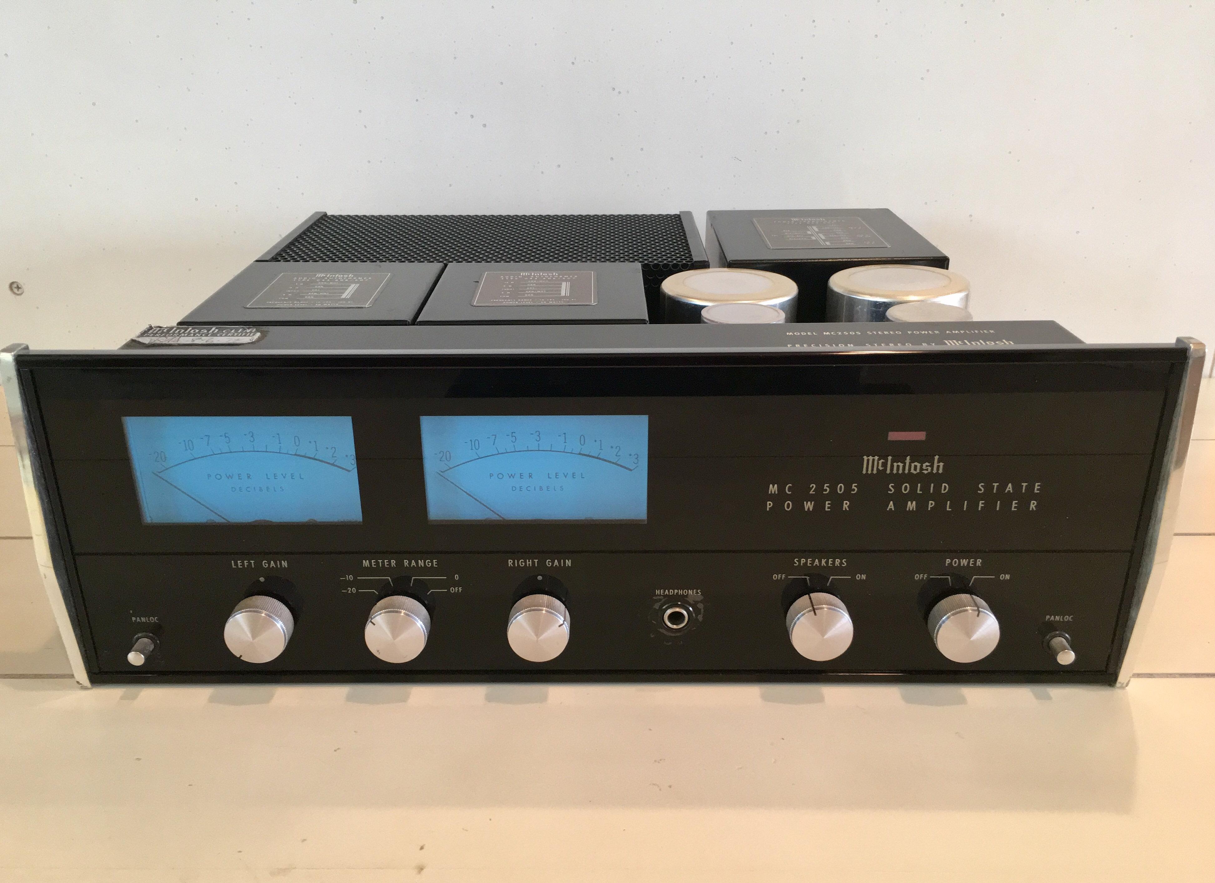 McIntosh MC 2505 Power Amplifier | davesvintagehifi