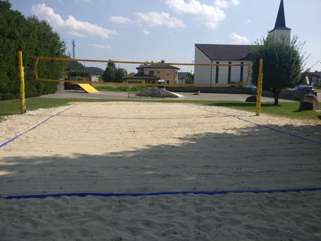 Renovierung des Beachvolleyballplatzes in Munderfing