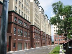 Queens Avenue - Side view