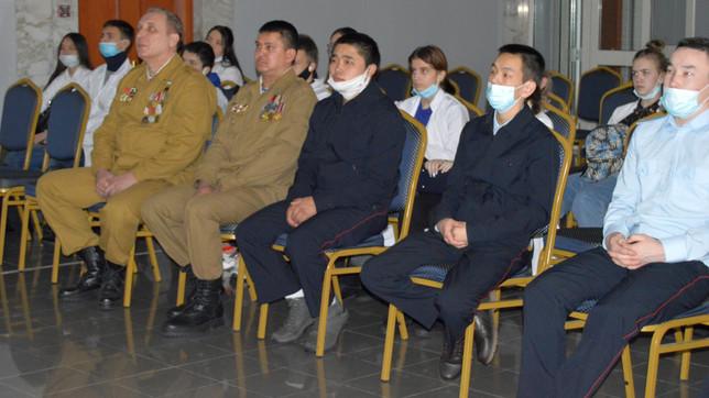 """Саяногорское отделение """"БОЕВОГО БРАТСТВА"""" встретилось со студентами СТЭМИ"""