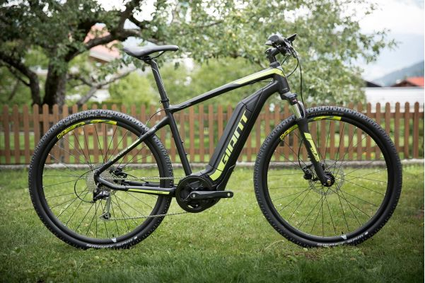 Giant Exlpore-E Electric Bike