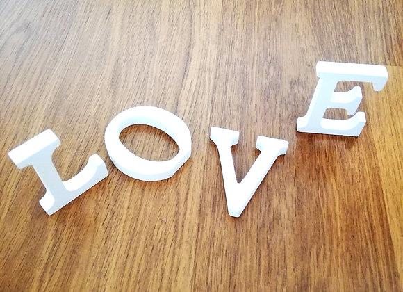 Dřevěný nápis LOVE
