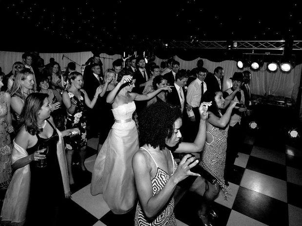 WEDDING FUN AUDIENCE PARTICIPATION