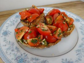 Frische Tomaten Bruschette