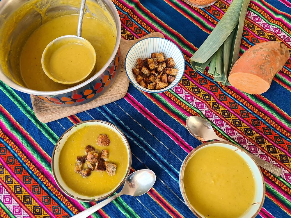 Suppe mit Süsskartoffeln und Lauch aus saisonalen und regionalen Bio Produkten