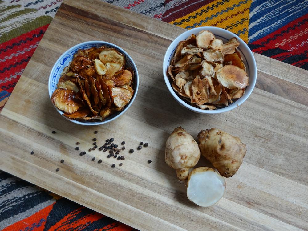 Chips aus Topinambur mit saisonalen und regionalen Bio Produkten