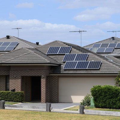 Households to make money from batteries