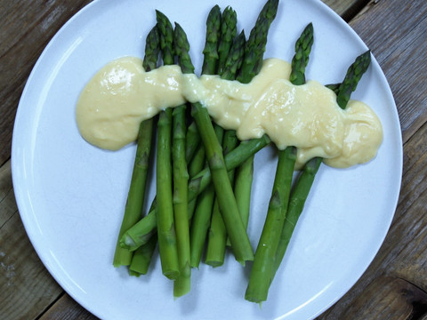 Asparagus with Hollandaise 2.jpg
