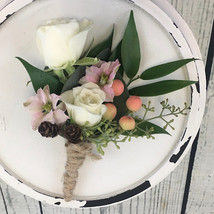 Boutonniere with twine