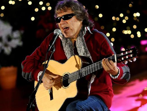"""Feliciano celebra 50 años de """"Feliz Navidad"""""""