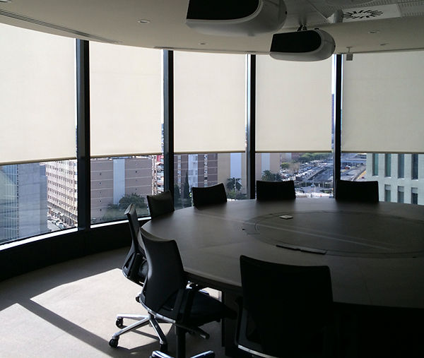 Cortinas enrollables empresas.jpg