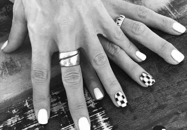 Black & White by Dea De Moyeuvre
