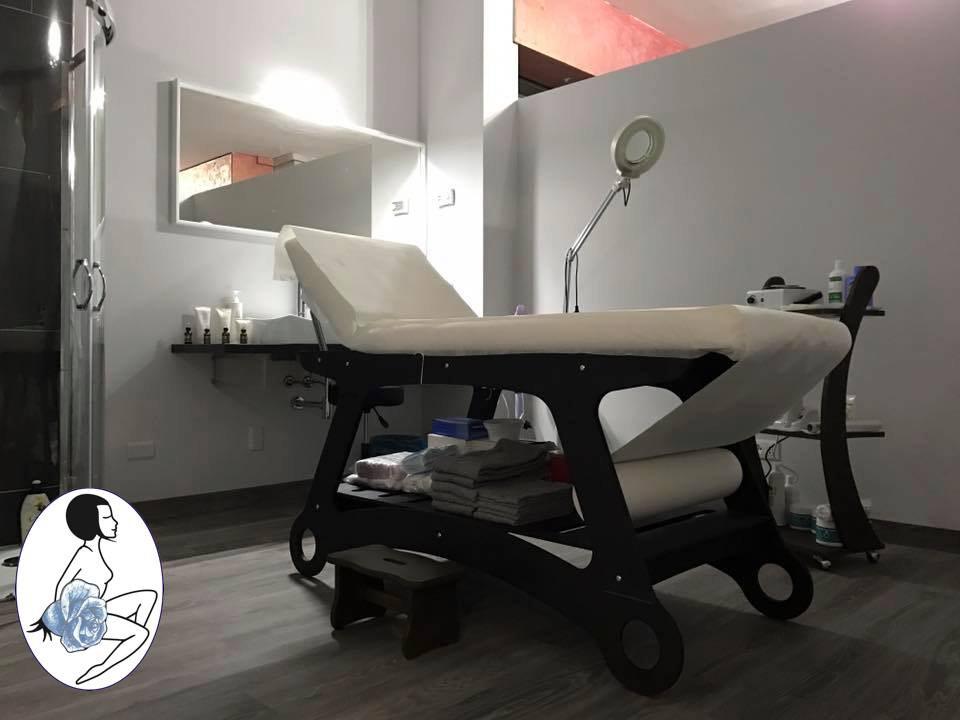 Cabina Massaggi/Trattamenti - La cabina dove il vostro corpo prenderà forma, il vostro viso tornerà giovane come un tempo, dove la comodità del lettino vi farà sentire come in una SPA.