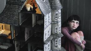 La Familia de la casa de Muñecas | Reseña