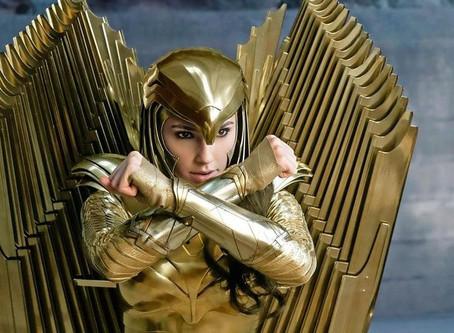 La armadura de águila dorada de Wonder Woman brilla en la portada variante