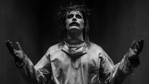 El Joker de Jared Leto imita a Jesucristo en la imagen de la Liga de la Justicia de Zack Snyder