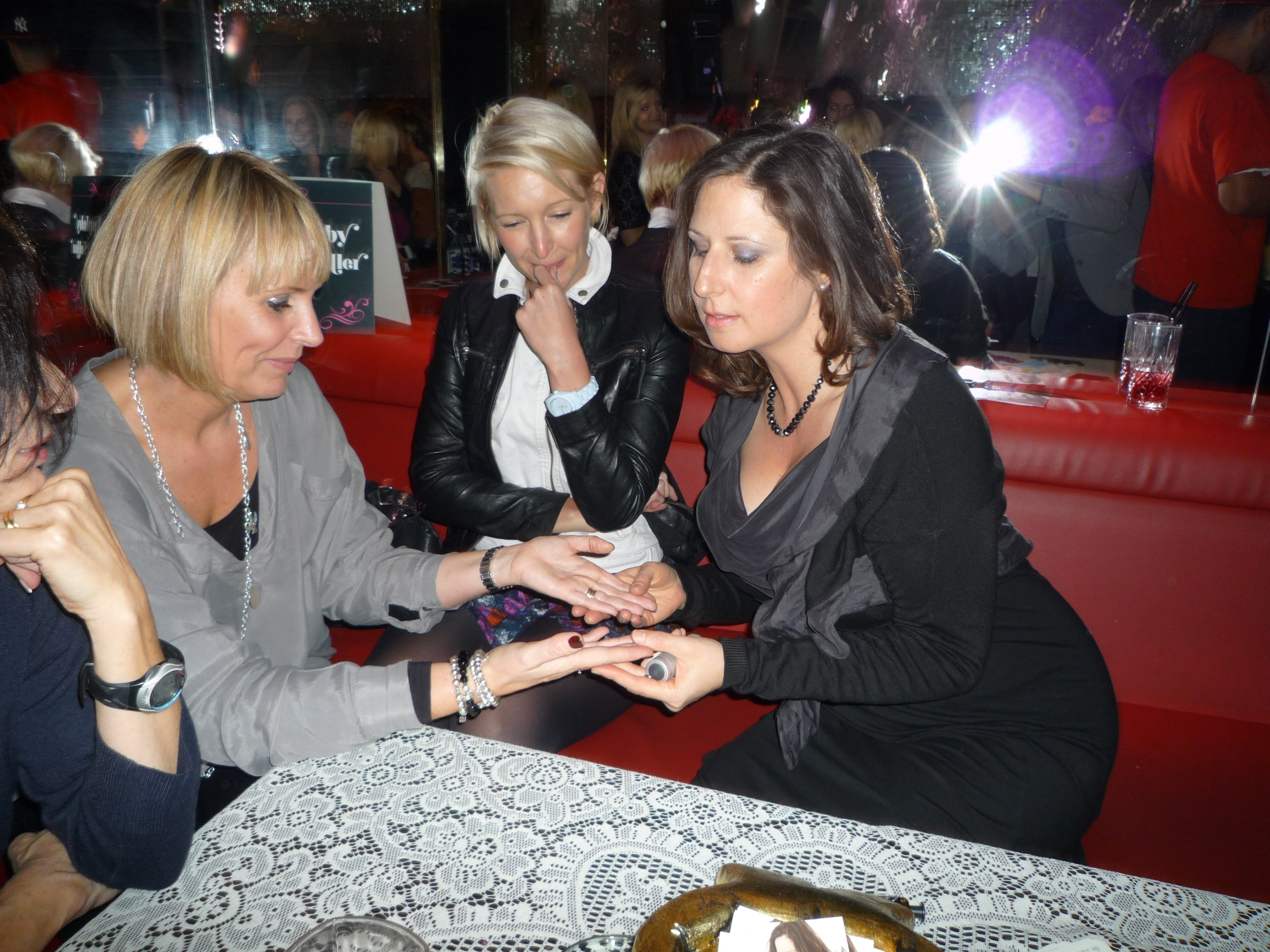 Palmistry at the Cosmo Blog Awards