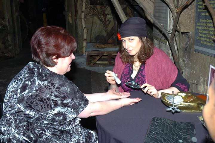 Spooky Readings at London Dungeons