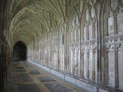 South_cloister_of_Gloucester_Cathedral
