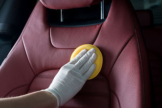 conditioning-leather-seats-in-car.jpg